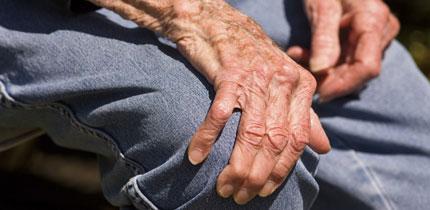 Uhise ravi turse korral liigeste poletikust