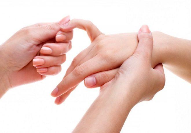 Valu lihaste liigestes Prednisoonist haige