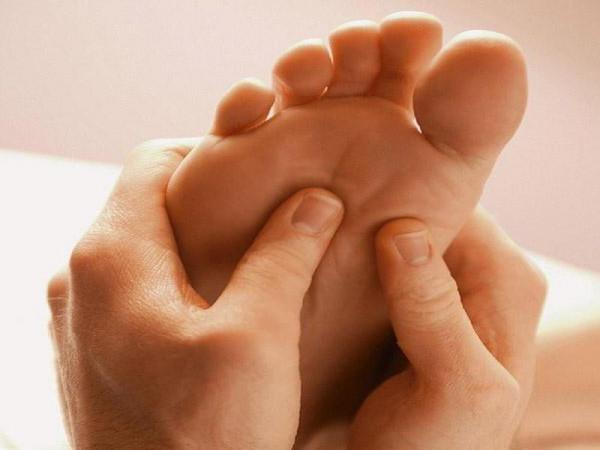 Jalgade haiguste toetab Hoidke selja tiiva