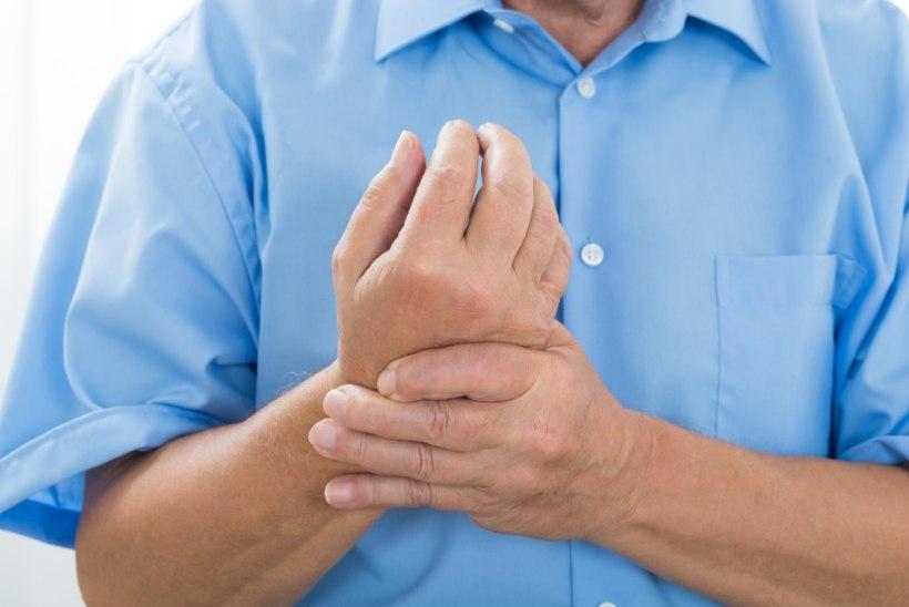 sormede liigeste turse Perioodilised valud pohjuse liigestes
