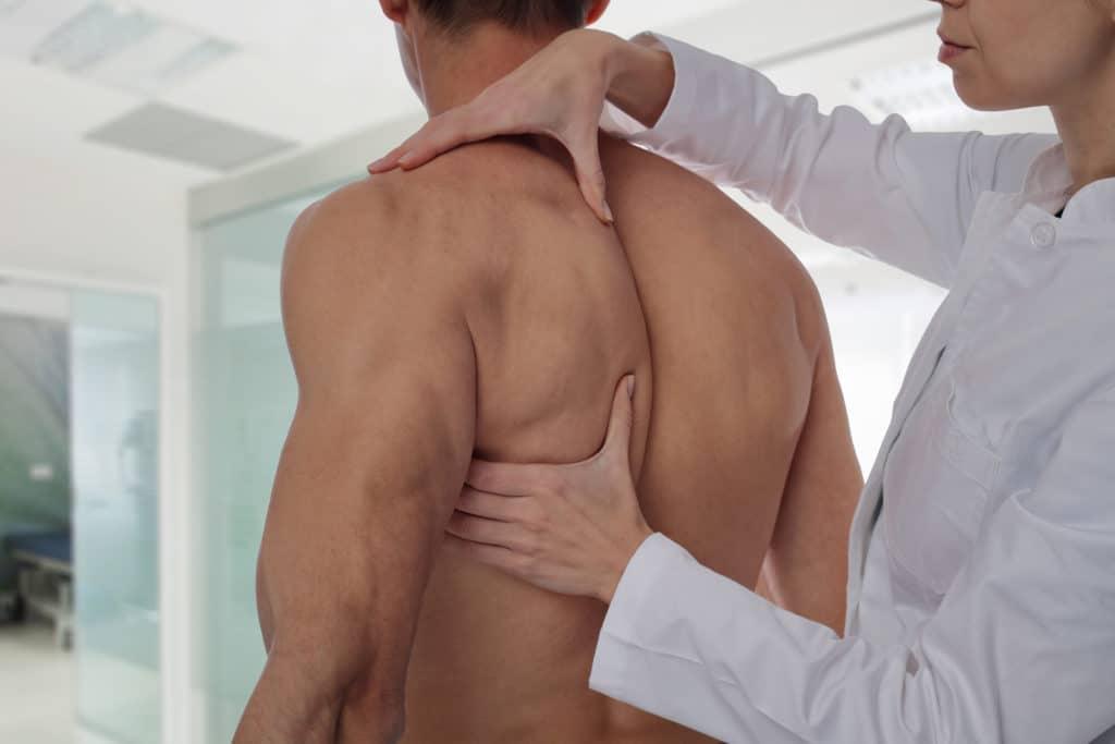 Kui olaliigese valud ja selle ravi Sulgeb kaes haiget